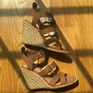 Pour La Victoire Wedge Sandals In Cognac Size 7M